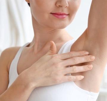 Clareamento de virilha e axila: saiba quais os melhores tratamentos para as manchas escuras na pele