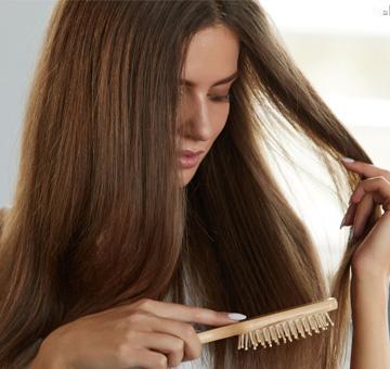 Queda de cabelo: saiba por que o seu cabelo está caindo muito e quando procurar ajuda